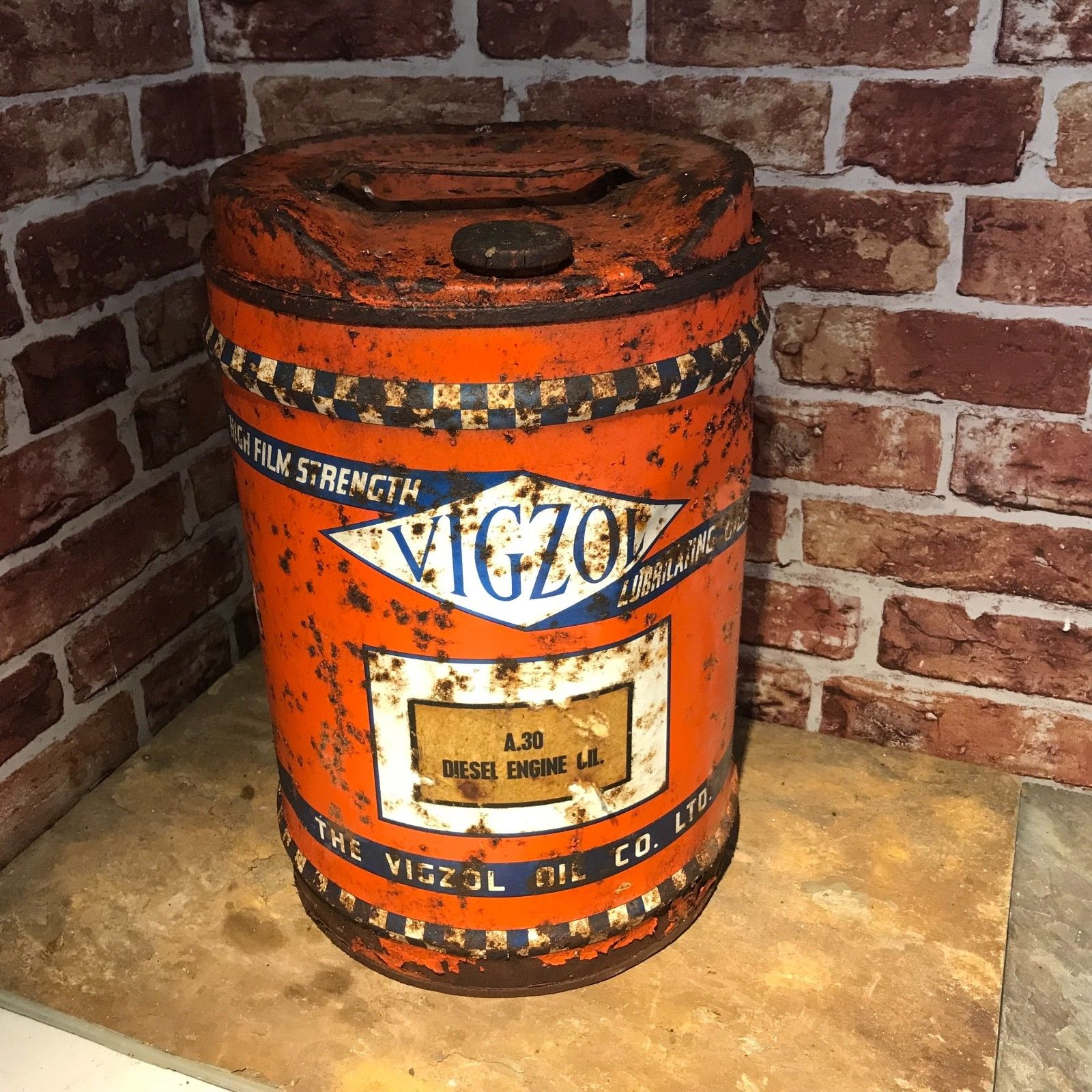 Vigzol motor oil can 5 gallon 2324 for Gallon of motor oil